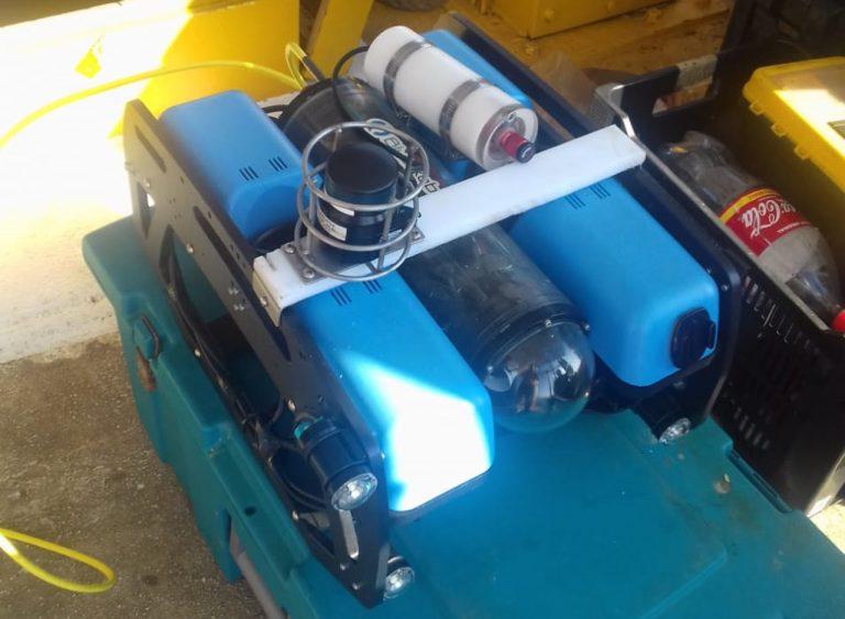 Mini ROV de baixo custo, equipado com sistema de posicionamento submarino baseado em USBL para realização de inspeção de dutos